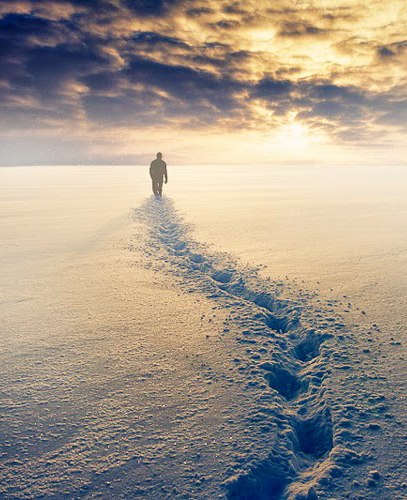 karda-yuruyen-adam1
